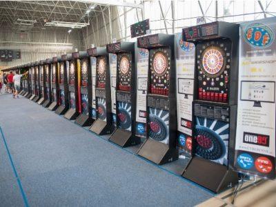 Mistrzostwa rozgrywane na dużej sali sportowej - ponad 120 automatów